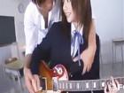 アニメ声のけいおん女子校生がバンドマンの先輩にさっそくハメられるw瑠川リナ・小田切ジュン無料サンプルエロ動画