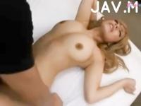 モデル系美女なのに可愛い喘ぎ声のギャップがたまらないギャルの3Pセックス  erovideo
